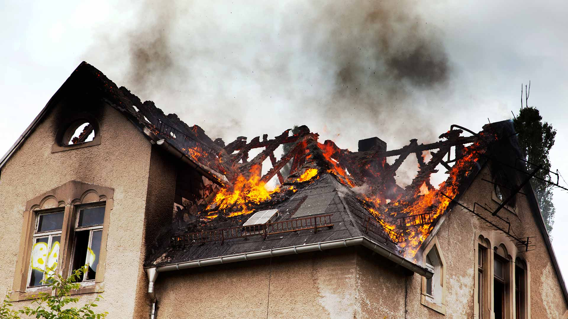 Does Homeowners' Insurance Cover Water & Fire Damage If You're at Fault?