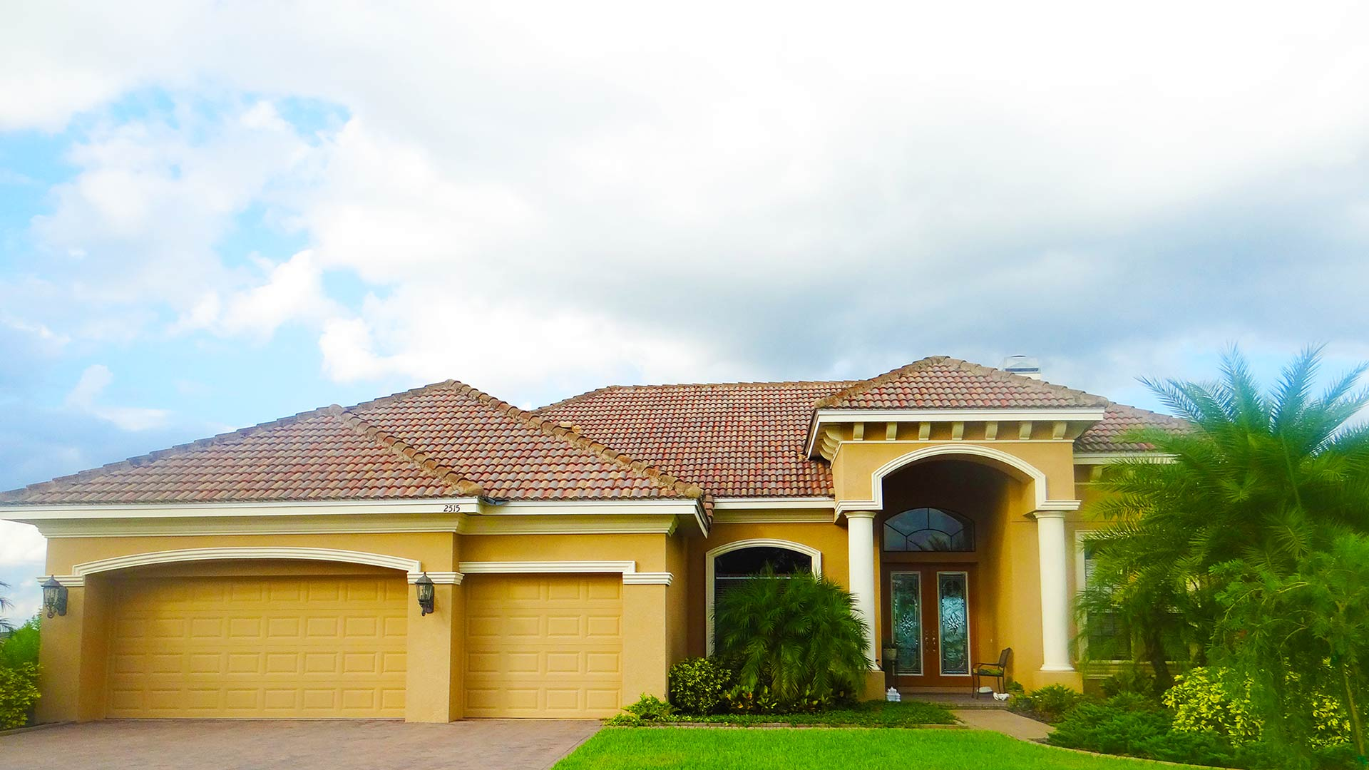 Winter Haven home after receiving roof leak repair services from True Builders.