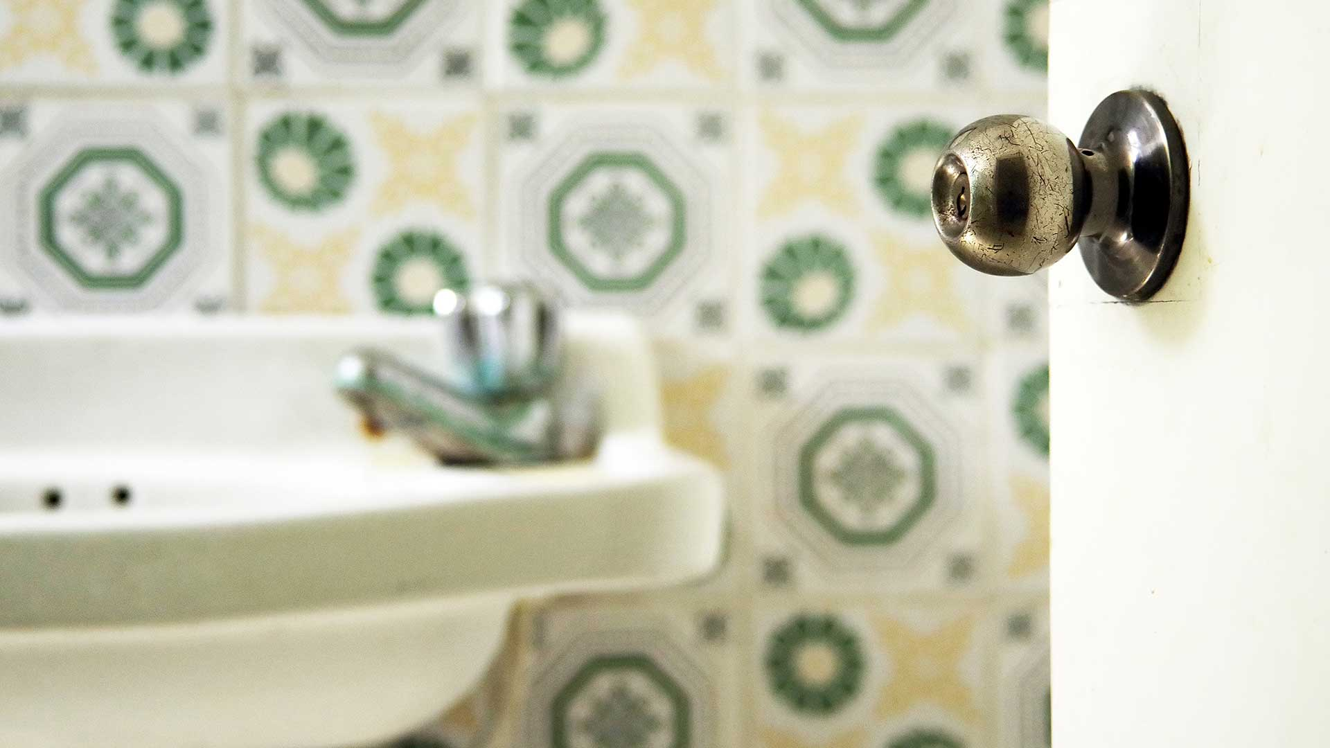 Signs That Your Bathroom Needs a Remodel