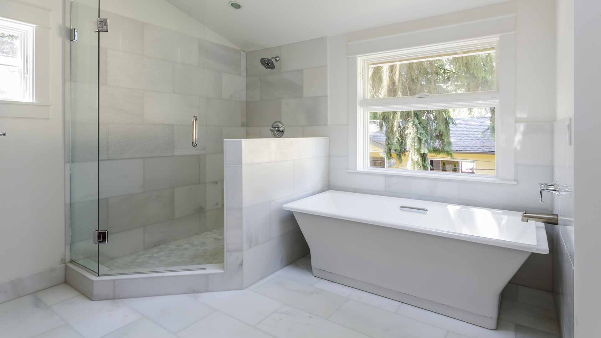 Bathtub & Shower Choices Available When Remodeling Your Bathroom