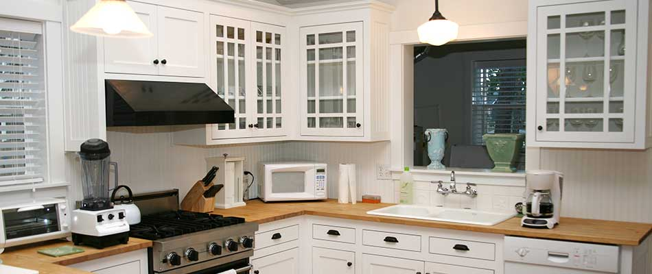 Kitchens in Plant City, FL can be remodeled on a tight budget if necessary.