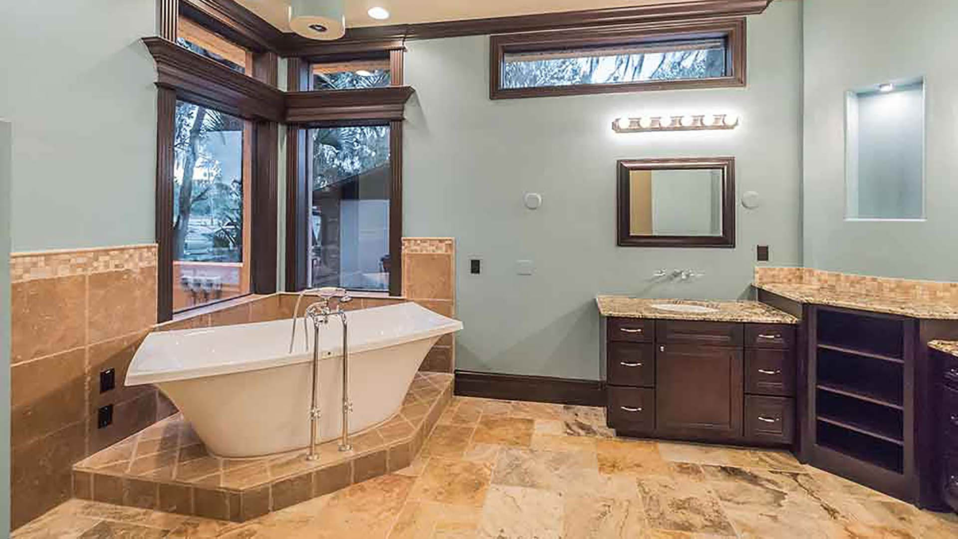 Thonotosassa, FL home with a True Builders remodeled bathroom.